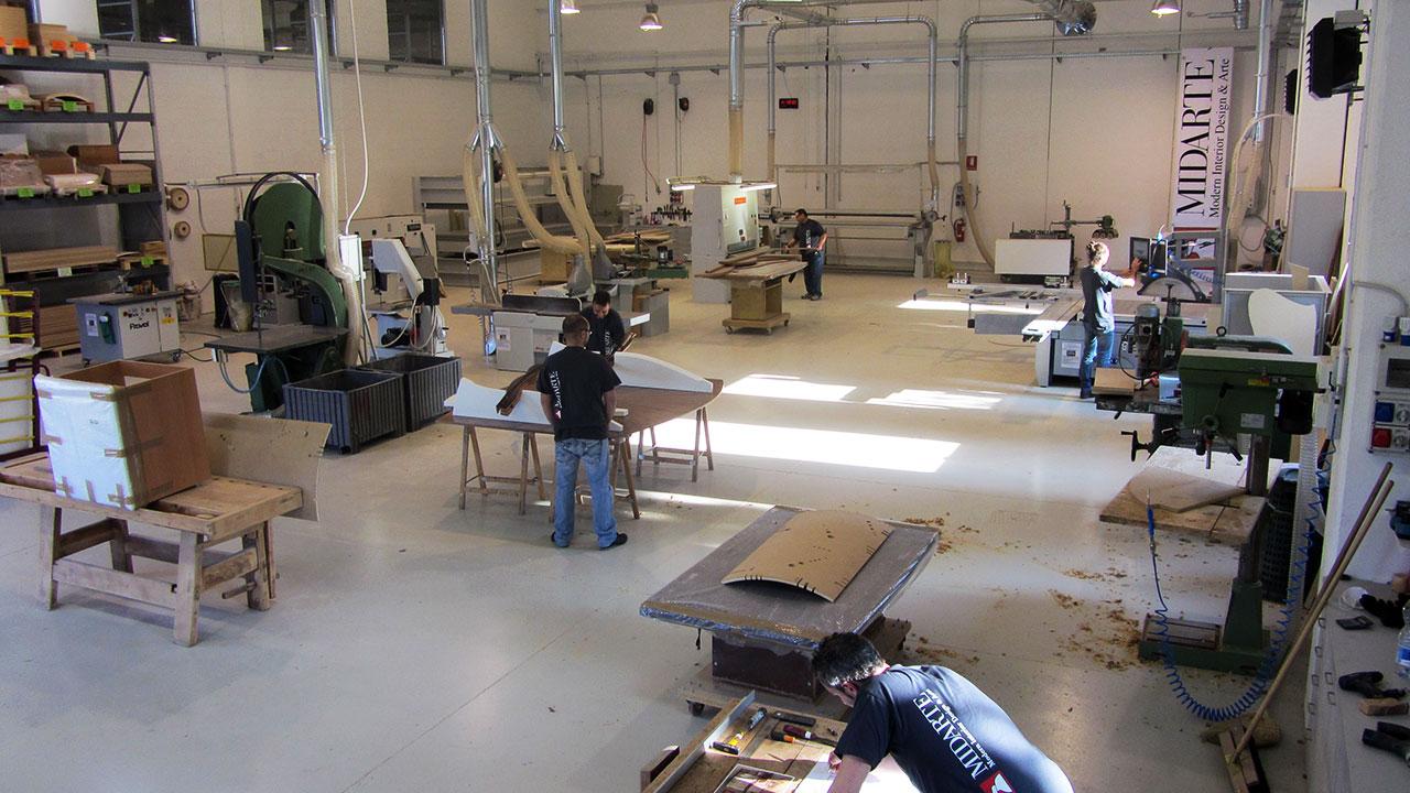 Acquistare l 39 arredamento direttamente in fabbrica 3 - Fabbrica di mobili in romania ...