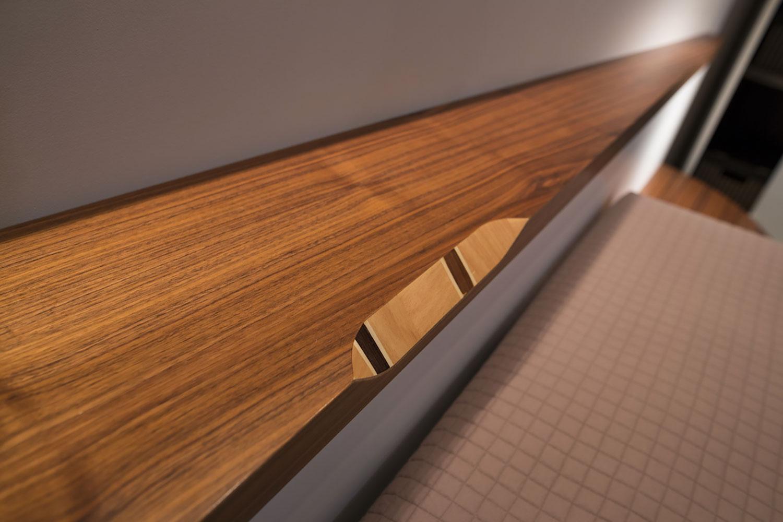 Camera in legno moderna con intarsi Midarte