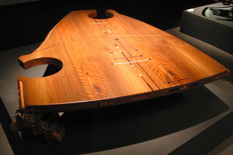 tavolino design in legno Ancestrale Midarte